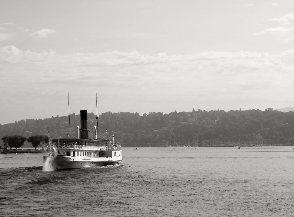 Geneva Lake Faux Steamboat