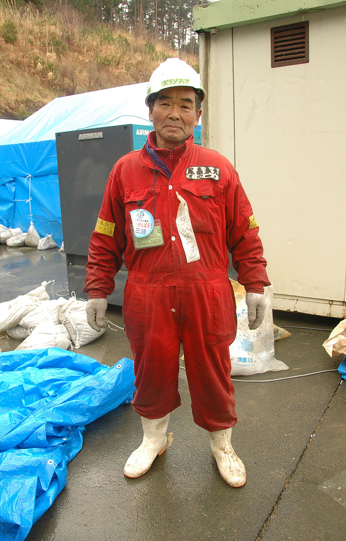 my friend and co-volunteer 72 year-old Mr. Obata at Minami Sanrikucho disaster evacuation center