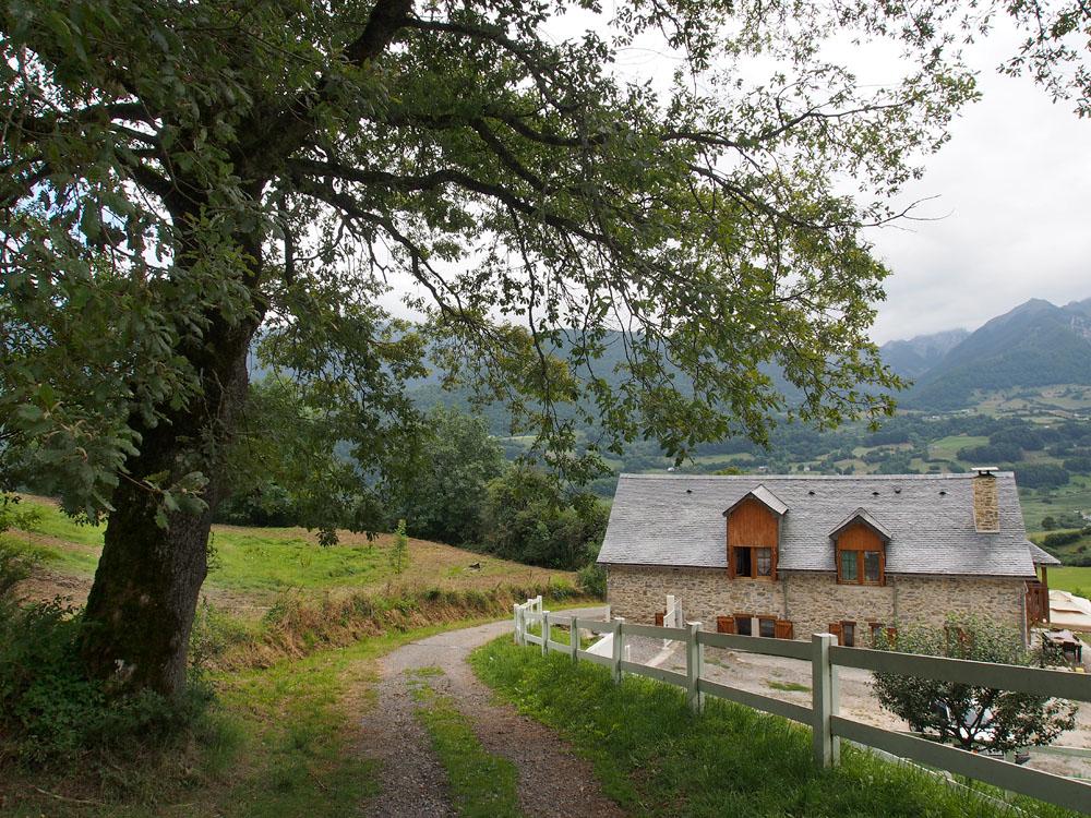 Lescun End of Ridge Walk