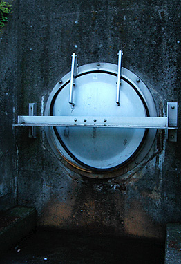 Sluice hatch