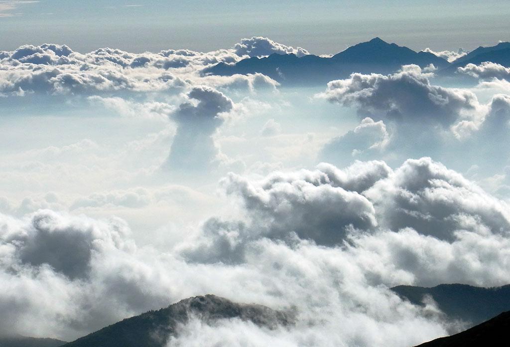 Kiso Komagatake Clouds Rising