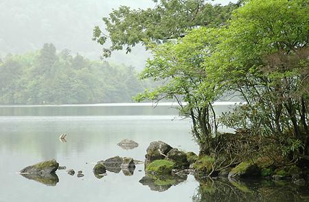 Lake Yu shore